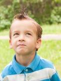 Retrato de um menino novo. Imagem de Stock