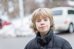 Retrato de um menino de sorriso fotografia de stock royalty free
