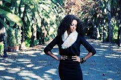 Retrato de um modelo preto novo da forma fotos de stock royalty free