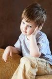 Retrato de um rapaz pequeno imagem de stock