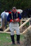 Retrato de um reenactor corajoso vestido como o soldado da guerra de Napoleão Imagem de Stock