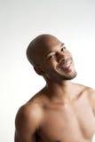 Retrato de um sorriso descamisado do homem Fotos de Stock