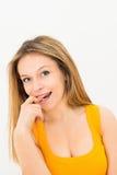 Retrato de um sorriso feliz da jovem mulher Foto de Stock
