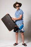Retrato de um turista novo em um looki completo Fotografia de Stock