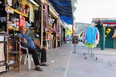 Retrato de um vendedor indiano foto de stock