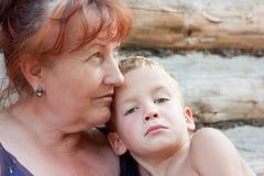 Retrato de uma avó e de um neto. Imagens de Stock Royalty Free