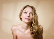 Retrato de uma beleza natural Fotos de Stock Royalty Free