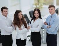 Retrato de uma equipe bem sucedida e profissional do negócio no b foto de stock royalty free