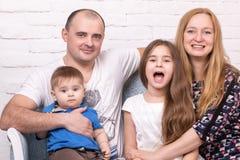 Retrato de uma família feliz Imagem de Stock Royalty Free