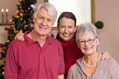 Retrato de uma família feliz no Natal Fotografia de Stock