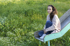 Retrato de uma jovem mulher imagem de stock