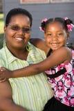 Retrato de uma mãe e de uma filha afro-americanos Foto de Stock Royalty Free