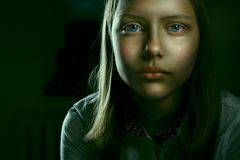 Retrato de uma menina adolescente deprimida Imagens de Stock Royalty Free