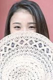 Retrato de uma menina asiática bonita Foto de Stock Royalty Free
