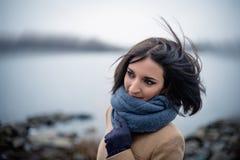 retrato de uma menina bonita exterior Fotos de Stock Royalty Free