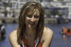 Retrato de uma menina do holandês sul-africano que aprecia o estilo de vida da margem foto de stock royalty free