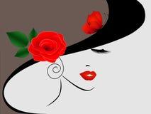 Retrato de uma menina em um chapéu com uma rosa vermelha e uma borboleta Fotos de Stock Royalty Free