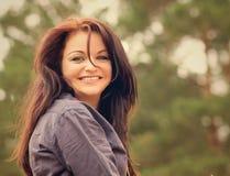 Retrato de uma menina feliz nova bonita Foto de Stock