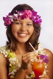 Retrato de uma menina havaiana com leus da flor Fotos de Stock Royalty Free