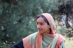 Retrato de uma menina indiana nova com lenço Imagem de Stock Royalty Free