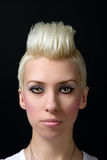 Retrato de uma menina loura bonita fotos de stock royalty free
