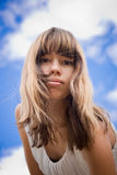 Retrato de uma menina no céu Imagem de Stock Royalty Free