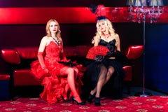 Retrato de uma menina no estilo do vermelho de Moulin Imagens de Stock Royalty Free
