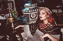 Retrato de uma menina no estilo oriental Imagem de Stock