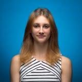 Retrato de uma menina nova do adolescente de 15 anos Foto de Stock