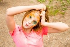 Retrato de uma menina para o festival indiano das cores Holi Imagens de Stock