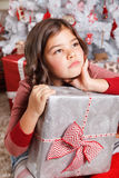 Retrato de uma menina triste no Natal Foto de Stock Royalty Free