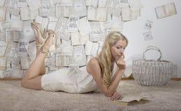 Retrato de uma moça Imagem de Stock