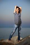 Retrato de uma moça bonita com brim imagem de stock royalty free