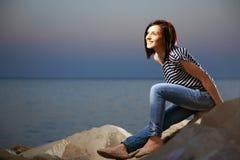 Retrato de uma moça bonita com brim fotos de stock royalty free