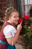 Retrato de uma moça no traje tradicional com mantilha Imagens de Stock