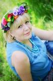 Retrato de uma mulher adulta bonita Fotos de Stock Royalty Free
