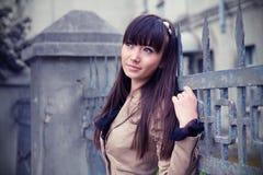 Retrato de uma mulher asiática bonita ao ar livre Imagens de Stock