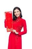 Retrato de uma mulher asiática bonita no custo tradicional do festival Foto de Stock Royalty Free