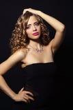 Retrato de uma mulher bonita da forma Foto de Stock Royalty Free