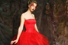 Retrato de uma mulher bonita no vestido medieval da era Disparado em um s Imagem de Stock