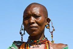 Retrato de uma mulher de Maasai fotografia de stock royalty free