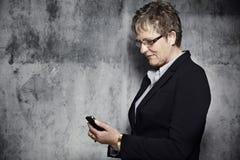 Retrato de uma mulher de meia idade Imagens de Stock