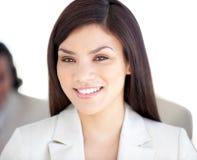 Retrato de uma mulher de negócios radiante Foto de Stock Royalty Free