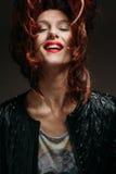 Retrato de uma mulher do ruivo Fotografia de Stock Royalty Free