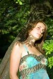 Retrato de uma mulher fresca e encantadora Imagens de Stock Royalty Free