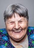 Retrato de uma mulher idosa fotos de stock royalty free