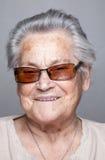 Retrato de uma mulher idosa foto de stock