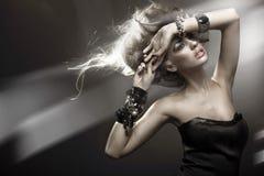 Retrato de uma mulher moderna Fotos de Stock Royalty Free
