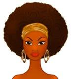 Retrato de uma mulher negra nova no branco, modelo da forma Imagem de Stock