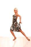 Retrato de uma mulher nova na dança Fotos de Stock Royalty Free